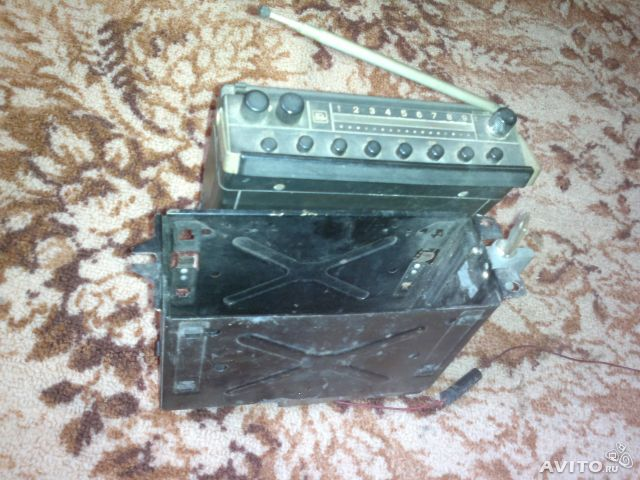 Радиоприемник Урал-авто-2