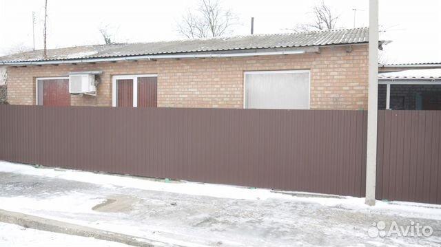 Продается четырехкомнатная квартира за 1 999 999 рублей. Ростовская область, Батайск, Майская улица, 35.