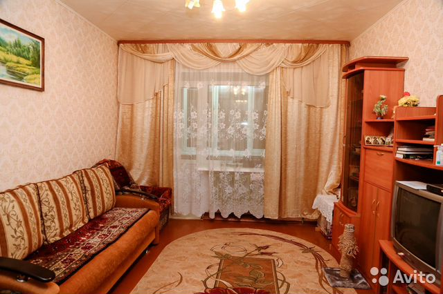 Продается трехкомнатная квартира за 1 600 000 рублей. Торопова, 4.