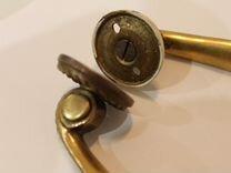 Стариные бронзовые дверные ручки