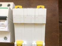 Автоматический выключатель Schneider